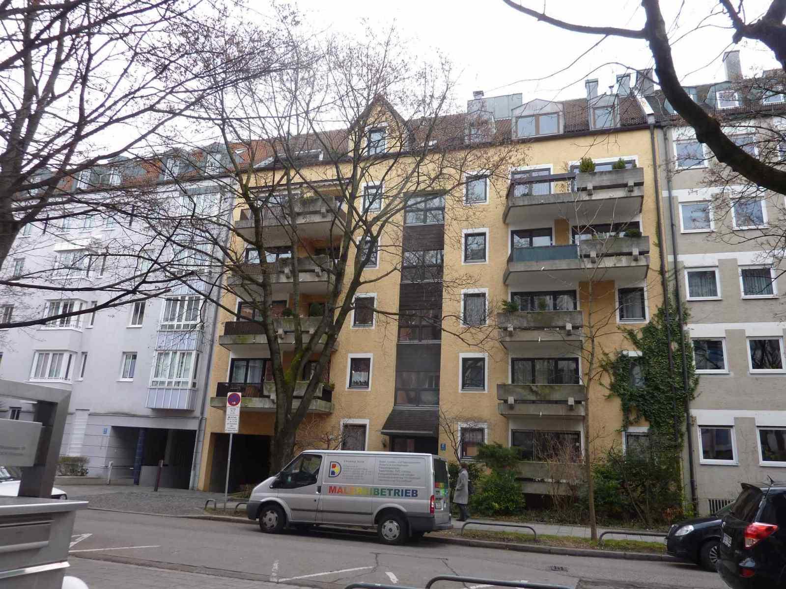 Fassade-Balkone-Gelaender-Muenchen-1-