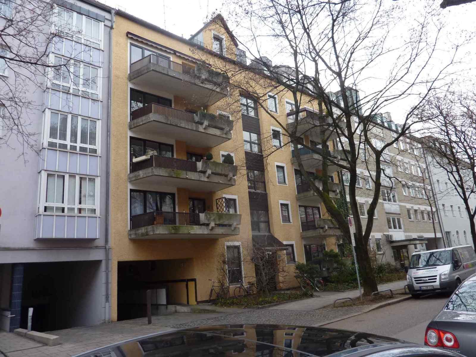 Fassade-Balkone-Gelaender-Muenchen-2