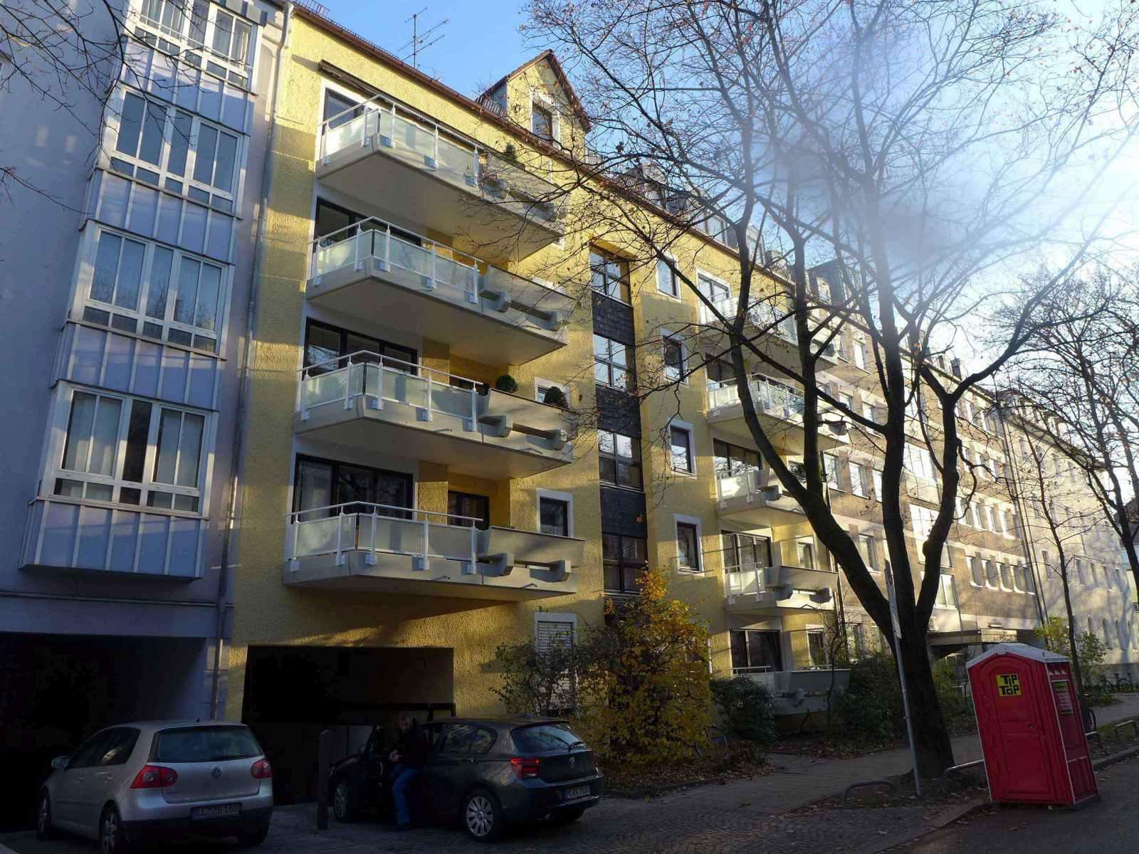 Fassade-Balkone-Gelaender-Muenchen-20